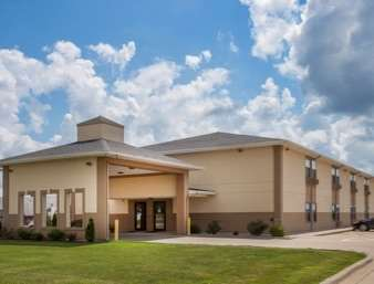 Pet Friendly Baymont Inn and Suites in Morton, Illinois