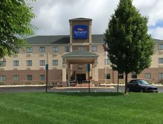 Pet Friendly Baymont Inn & Suites Chelsea in Chelsea, Michigan