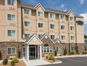 Pet Friendly Microtel Inn & Suites by Wyndham Shelbyville in Shelbyville, Tennessee