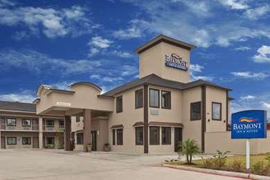 Pet Friendly Baymont Inn & Suites Bryan College Station in Bryan, Texas