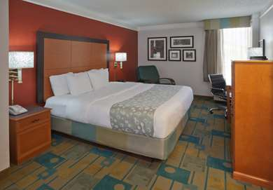 Pet Friendly La Quinta Inn & Suites Houston Stafford Sugarland in Stafford, Texas