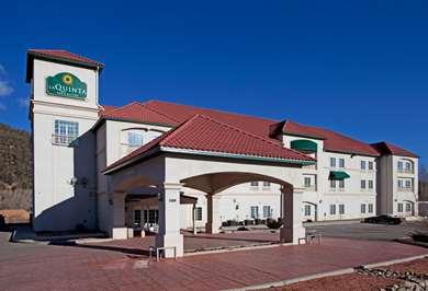Pet Friendly La Quinta Inn & Suites Ruidoso Downs in Ruidoso Downs, New Mexico