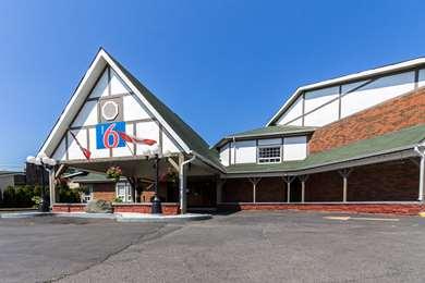Pet Friendly Motel 6 Trenton On in Trenton, Ontario