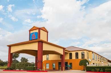 Pet Friendly Motel 6 Ennis Tx in Ennis, Texas