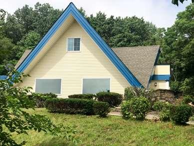 Pet Friendly Motel 6 Holyoke Ma in Holyoke, Massachusetts