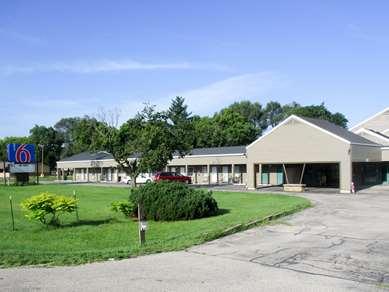 Pet Friendly Motel 6 Prairie Du Chien Wi in Prairie Du Chien, Wisconsin