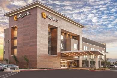 Pet Friendly La Quinta Inn & Suites Morgan Hill-San Jose South in Morgan Hill, California
