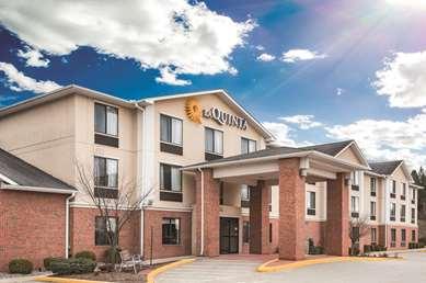 Pet Friendly La Quinta Inn & Suites Norwich-Plainfield-Casino in Plainfield, Connecticut