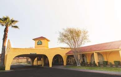 Pet Friendly La Quinta Inn Del Rio in Del Rio, Texas